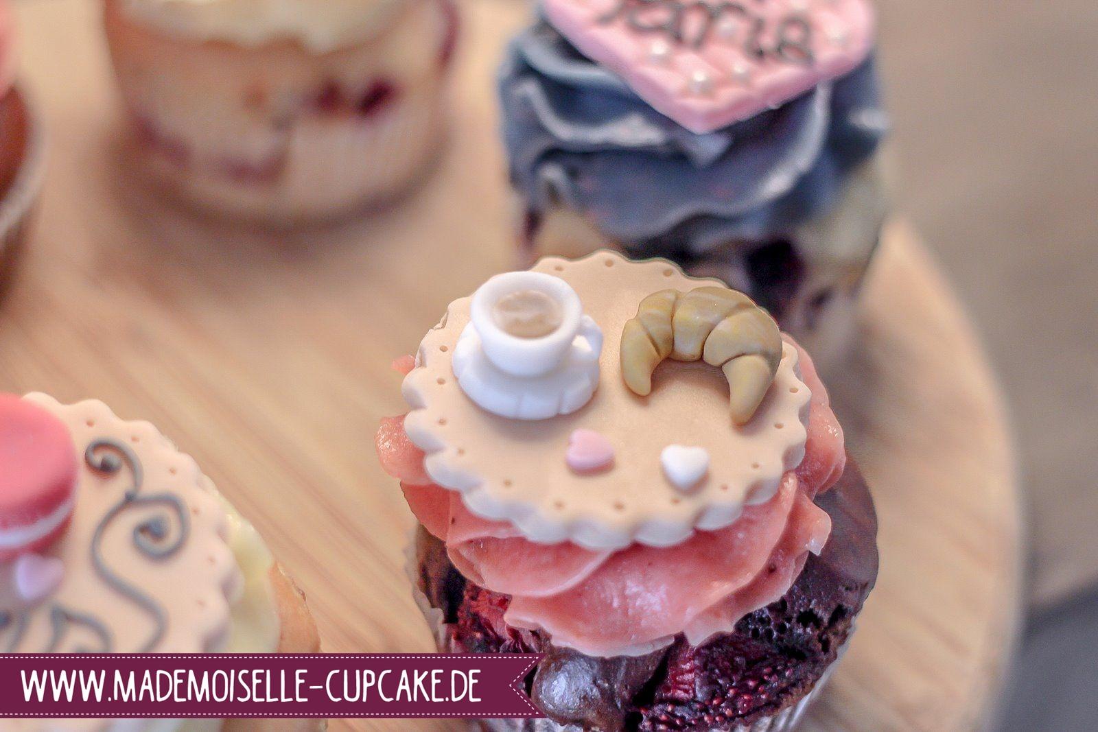 Paris Mademoiselle Cupcake